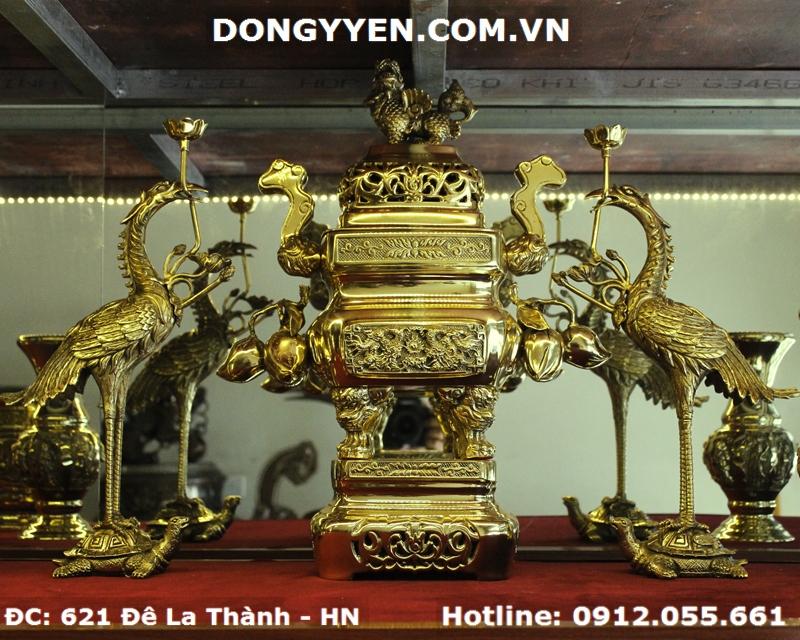 Bộ Tam Sự Đỉnh Vuông Quả Đào Số 4 Bằng Đồng Dapha 45cm