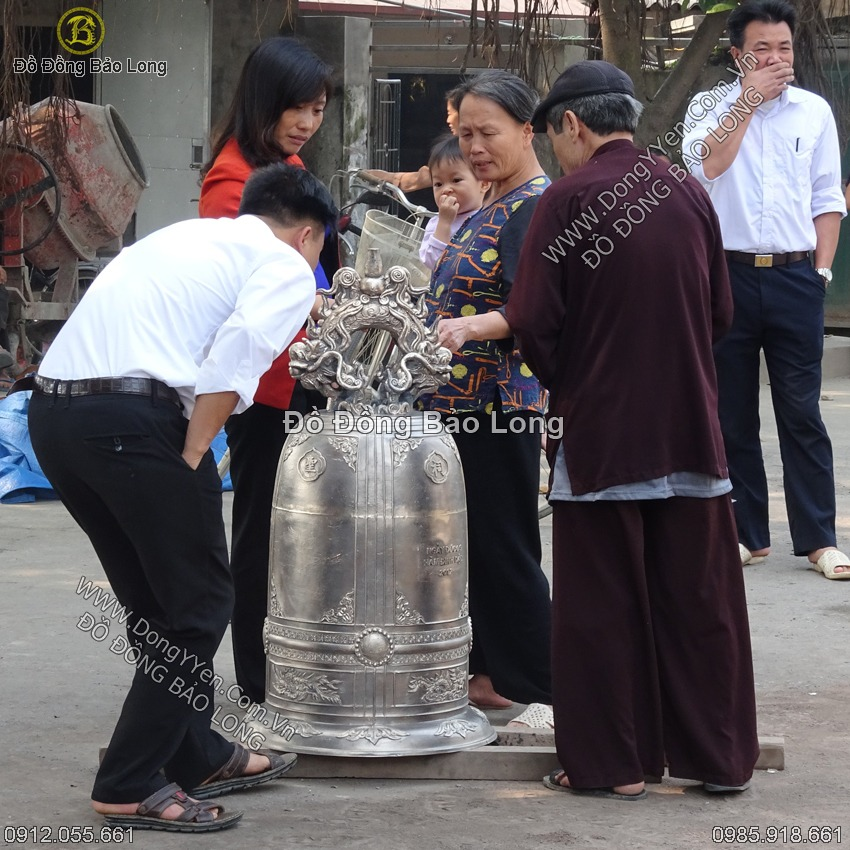Đúc Chuông Đồng 1 Tạ Cho Đền