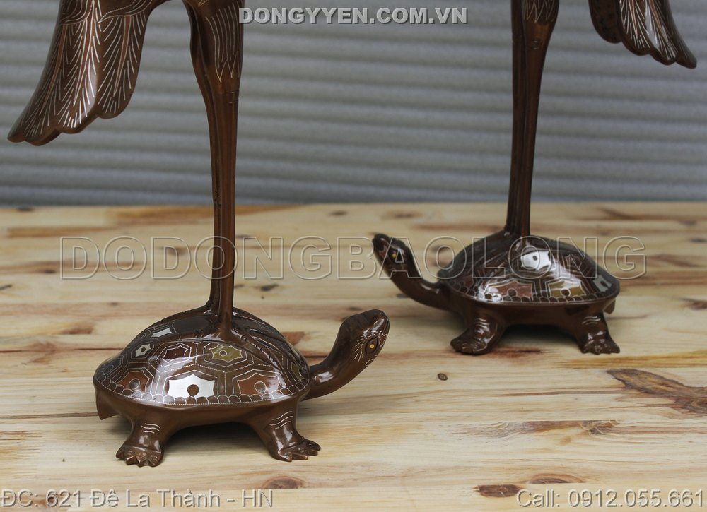 hạc đứng trên lưng rùa