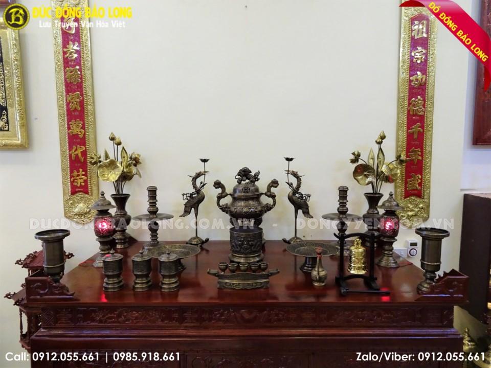 đồ thờ đỉnh hoa sòi hun đen