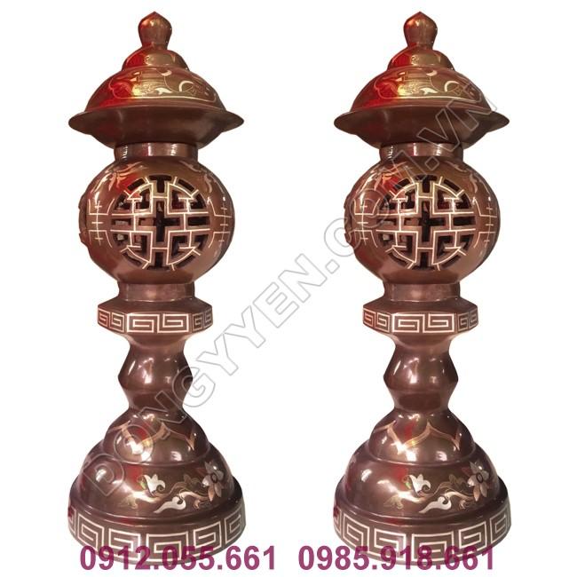 đôi đèn thờ bằng đồng đỏ khảm tam khí