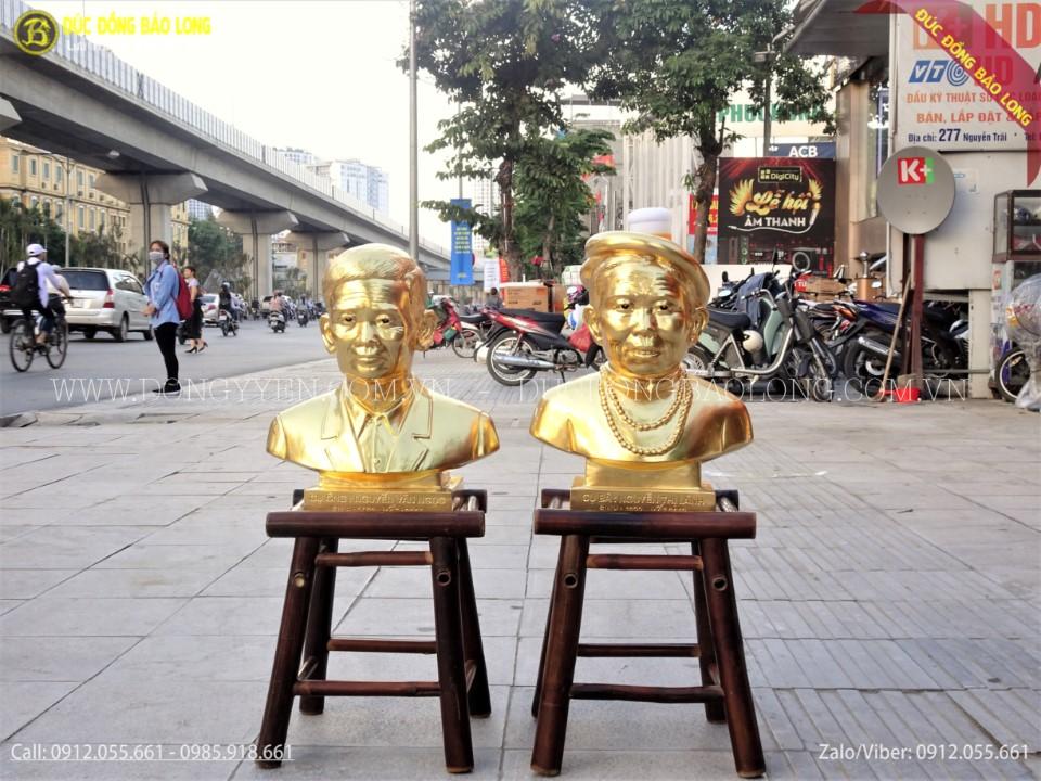 tượng chân dung dát vàng