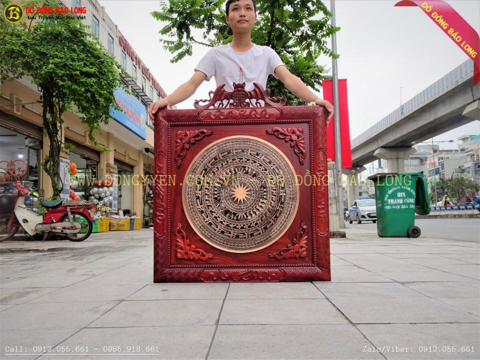 tranh mặt trống đồng đúc 60cm khung hương 89cm cho đài truyền hình VTV