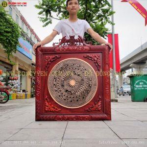 Tranh Mặt Trống Đồng đúc 60cm Khung Gỗ Hương 89cm cho VTV