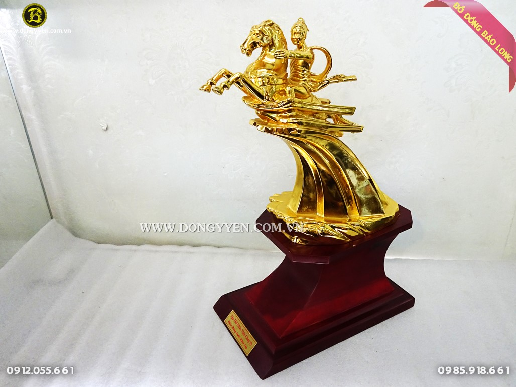 tượng thánh gióng bằng đồng mạ vàng 24k cao 36cm