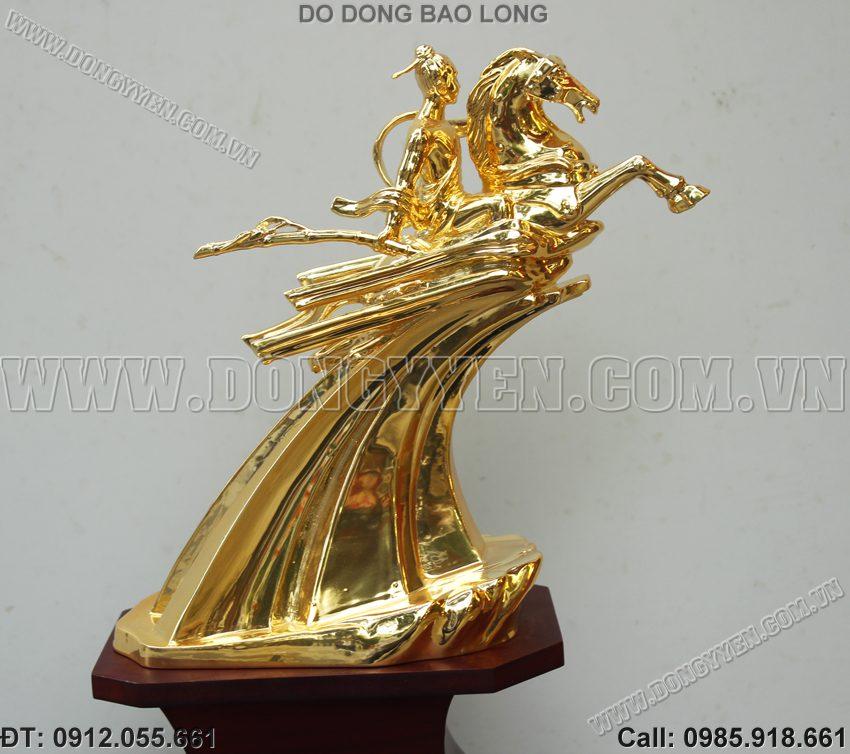 Tượng Thánh Gióng Mã Vàng 24K Quà Biếu Tặng Lãnh Đạo
