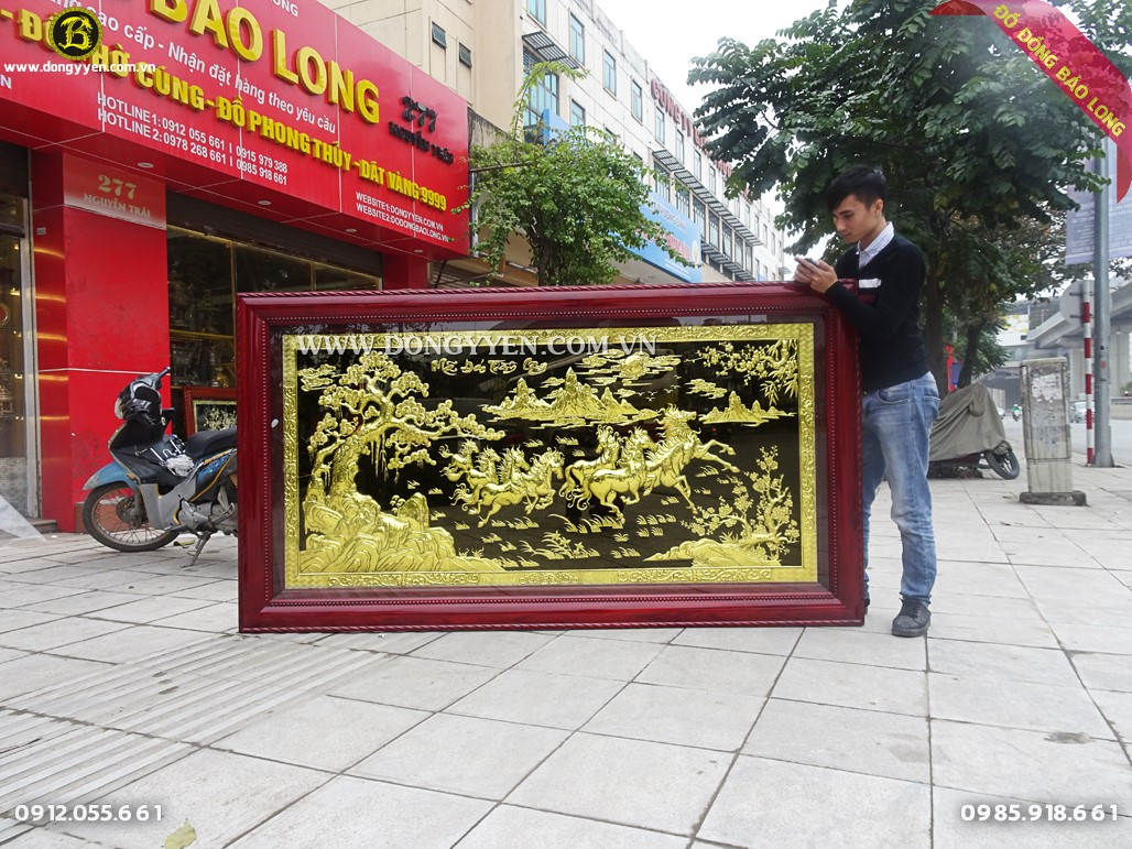 tranh bát mã bằng đồng khung gỗ hương 2m31