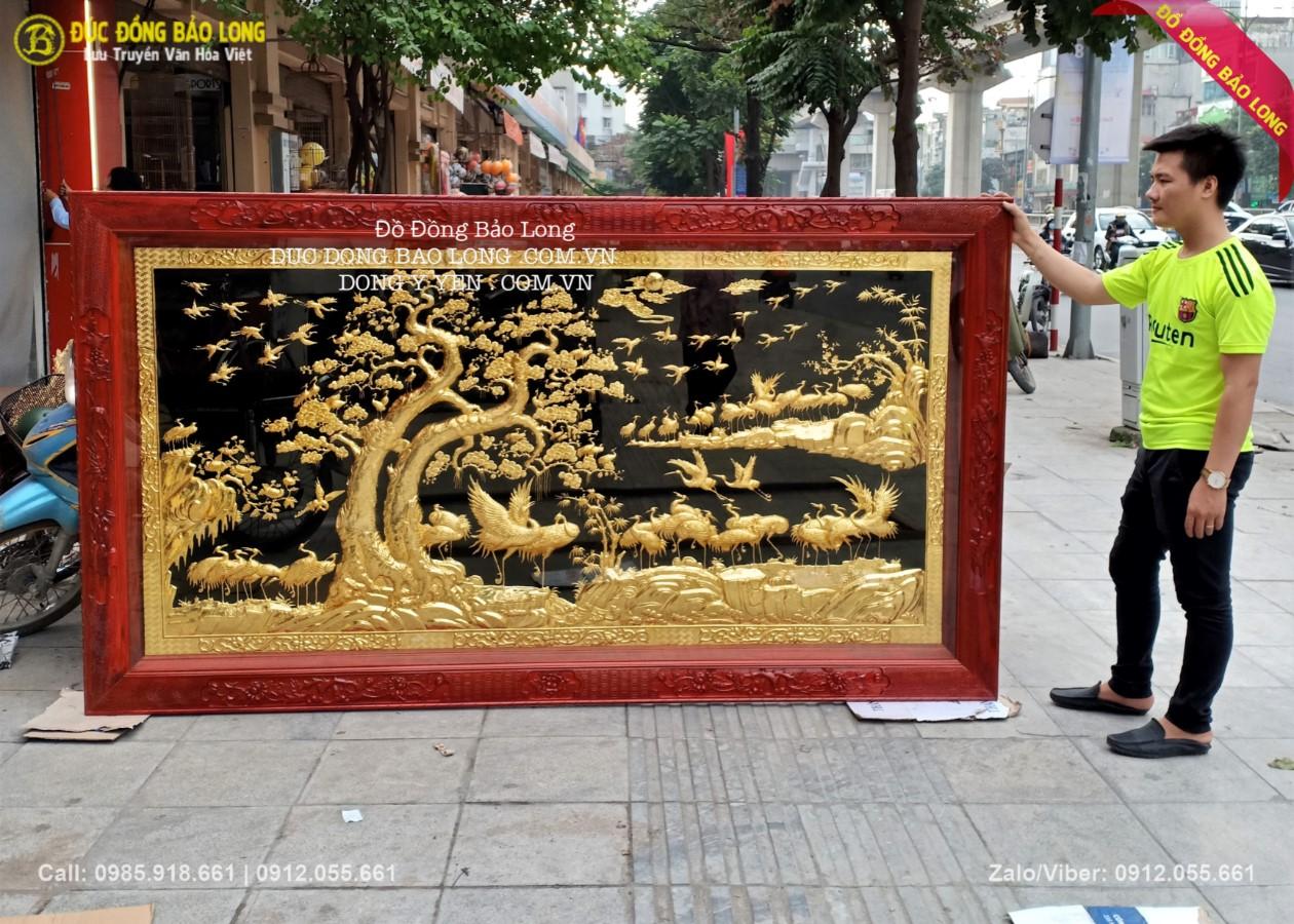 tranh bách hạc quần tùng bằng đồng mạ vàng