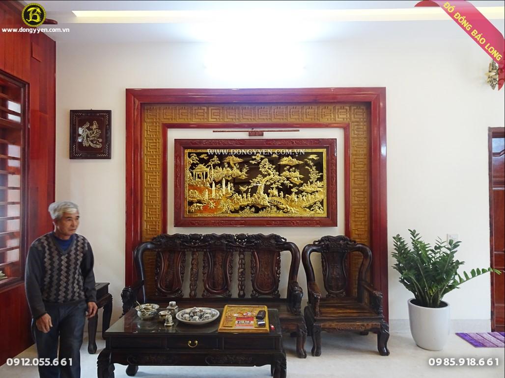 tranh vinh quy bái tổ bằng đồng lắp đặt tại nhà khách ở phú thọ