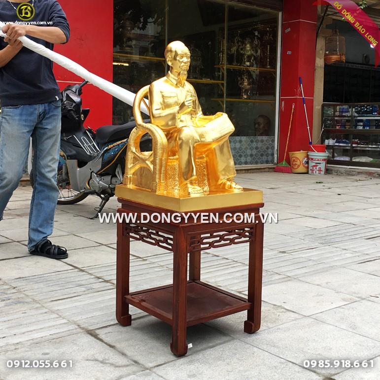 Tượng Bác Hồ Ngồi Ghế Mây Đồng Đỏ 61cm Dát Vàng 9999