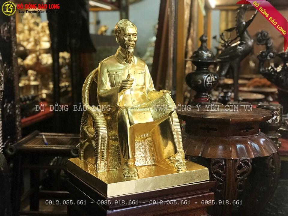 tượng bác hồ ngồi ghế mây cao 42cm dát vàng 9999 cho a Tuấn ở Hải Phòng