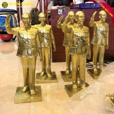Tượng Bác Hồ Giơ Tay Chào Bằng Đồng Vàng 42cm