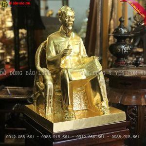 Tượng Bác Hồ ngồi Ghế Mây 42cm dát vàng cho khách Hải Phòng