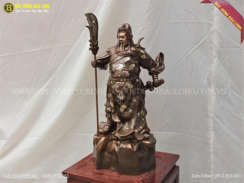 tượng quan công đứng chống đao cao 48cm