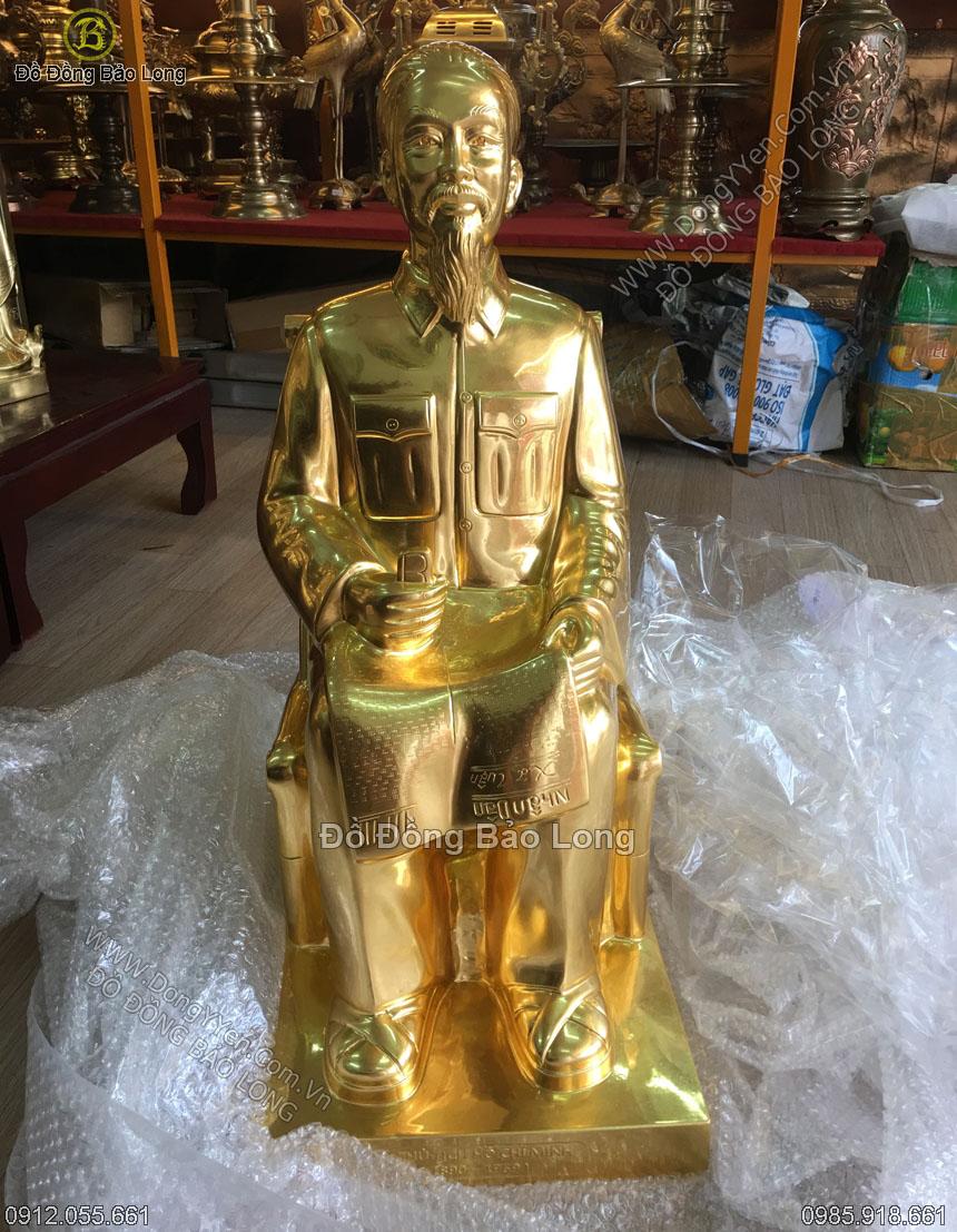 tượng bác hồ ngồi ghế mây cao 68cm dát vàng