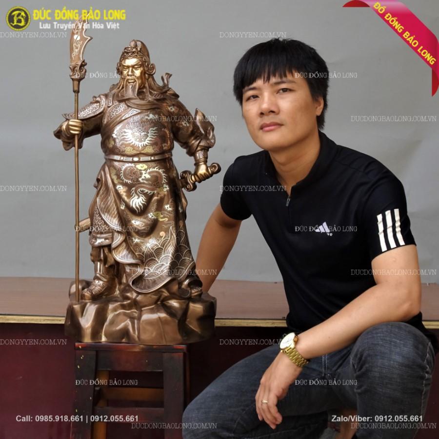 Tượng Quan Công Chống Đao Khảm Tam Khí 61cm