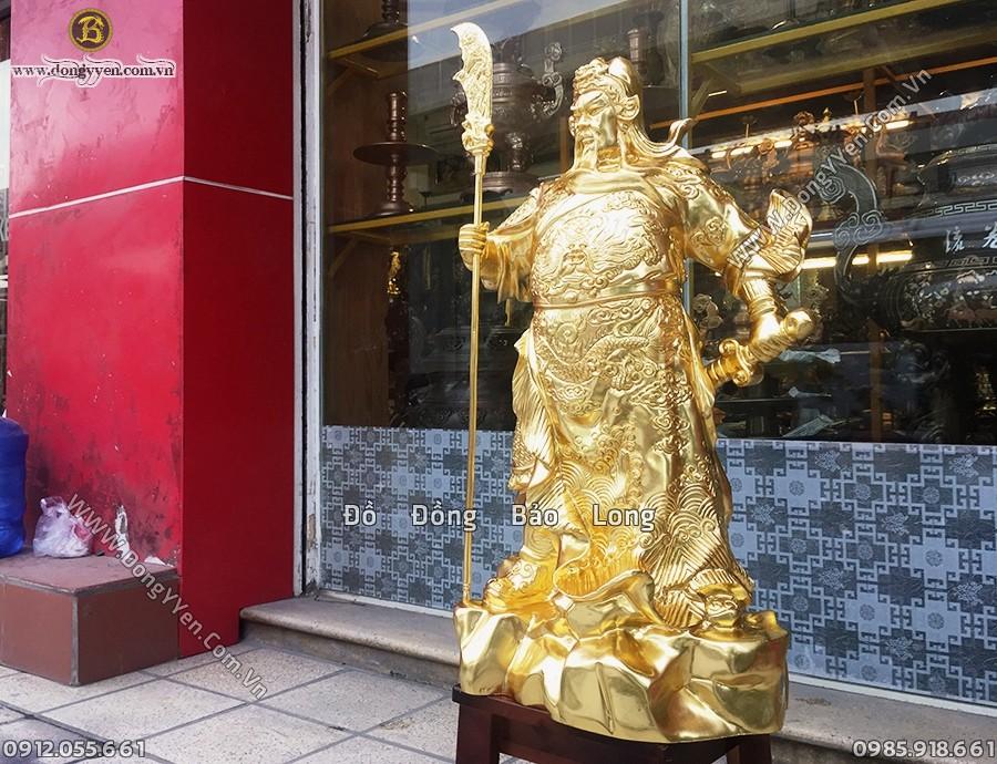tượng quan công dát vàng cao 69cm đứng chống đao