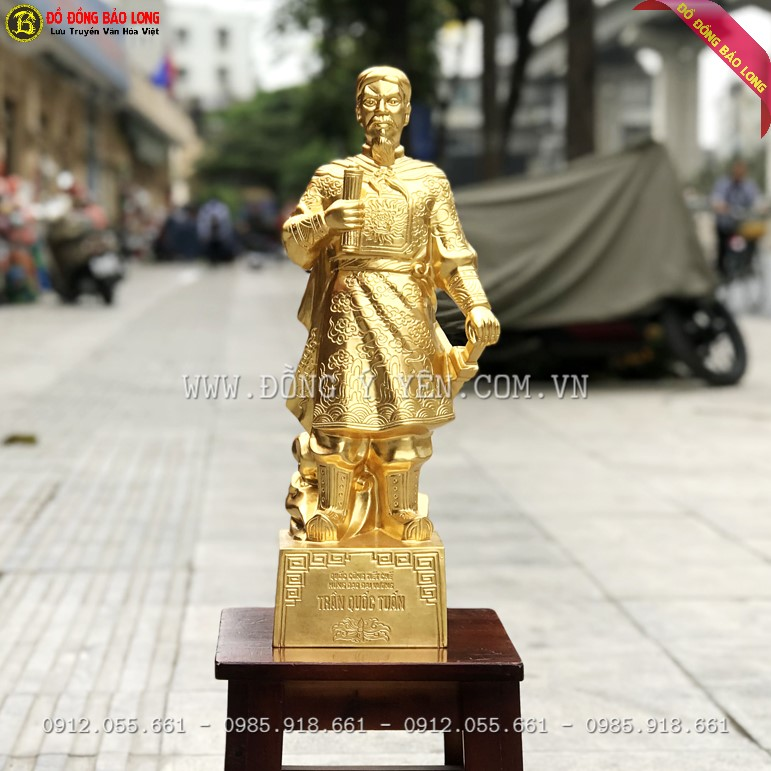 Tượng Trần Hưng Đạo bằng đồng đỏ dát vàng 9999 cao 50cm