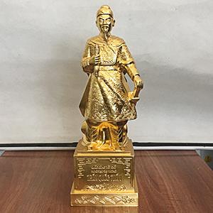 Tượng Trần Quốc Tuấn 42cm Dát Vàng