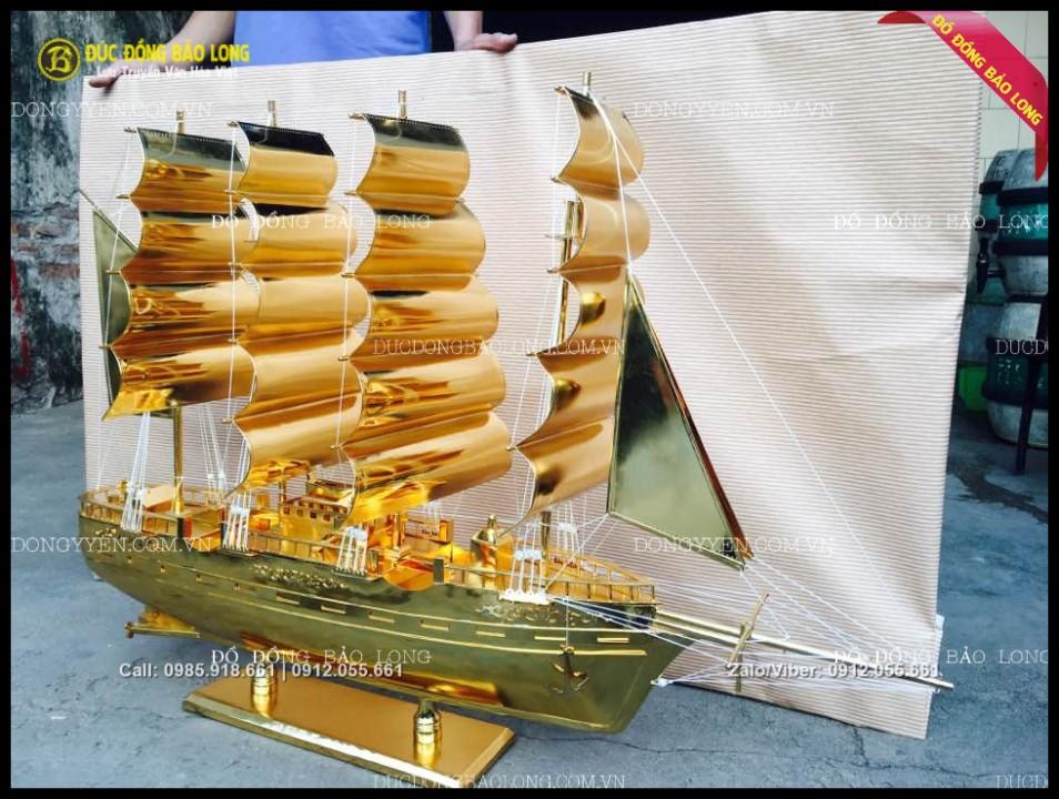 thuyền buồm bằng đồng