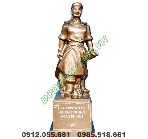 Tượng Quang Trung - Nguyễn Huệ bằng đồng đỏ